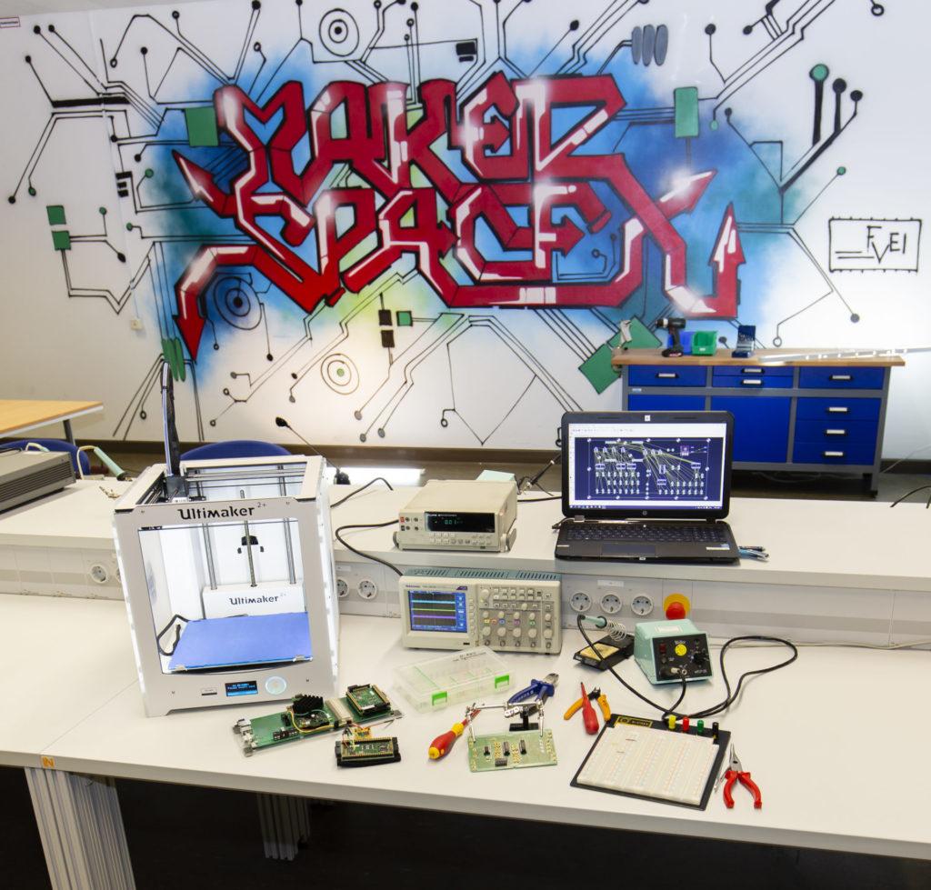 MakerSpace Wandgestaltung an der HAW Hamburg
