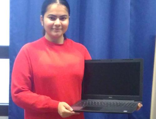 Finanzielle Unterstützung für Laptops an 10 Studierende